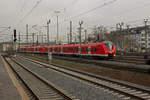 dusseldorf-hauptbahnhof/533667/mittlerweile-zum-gewohnten-anblick-geworden-sind Mittlerweile zum gewohnten Anblick geworden sind die 1440 auf der Linie S8. Hier ist 1440 320 mit einem weiteren Triebwagen in Richtung Mönchengladbach unterwegs.