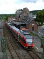 gerolstein/284989/644-556-steht-mit-zwei-weiteren 644 556 steht mit zwei weiteren Talenten am 7.8.2013 als RE 12 nach Köln in Gerolstein.