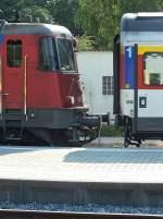 lindau-hauptbahnhof/283661/421-371-unmittelbar-vor-dem-ankuppeln 421 371 unmittelbar vor dem Ankuppeln an EC196 am 23.7.13 in Lindau.