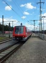 BR 611/284553/611-015-verlaesst-singen-in-richtung 611 015 verlässt Singen in Richtung Schaffhausen.