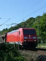 br-1852-traxx-f140-ac2/284992/185-320-faehrt-am-1813-durch 185 320 fährt am 1.8.13 durch Hilden.